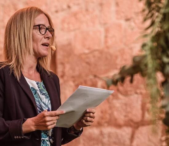 Oficiante Sonia Castro